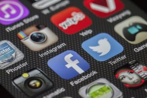 App Icons als Symbole für Datenschutz bei auxmoney, smava und 24option